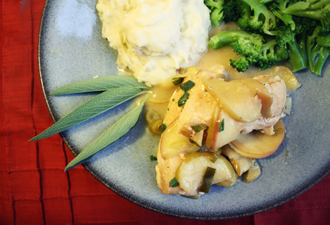 Chicken with Apple Cream Sauce