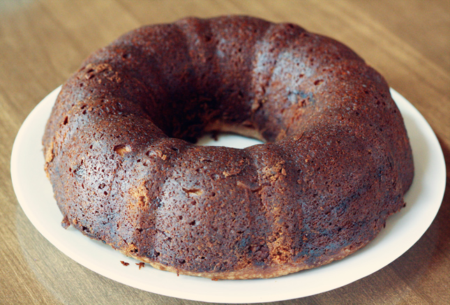 sour-cream-coffee-cake-uncut