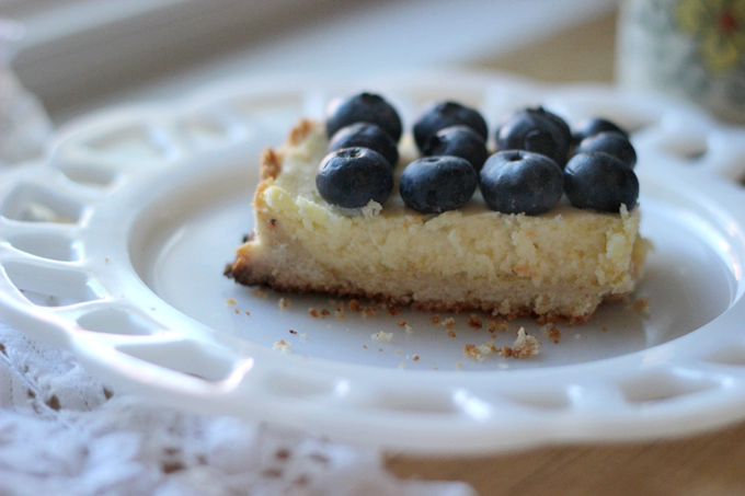 blueberry sour cream tart
