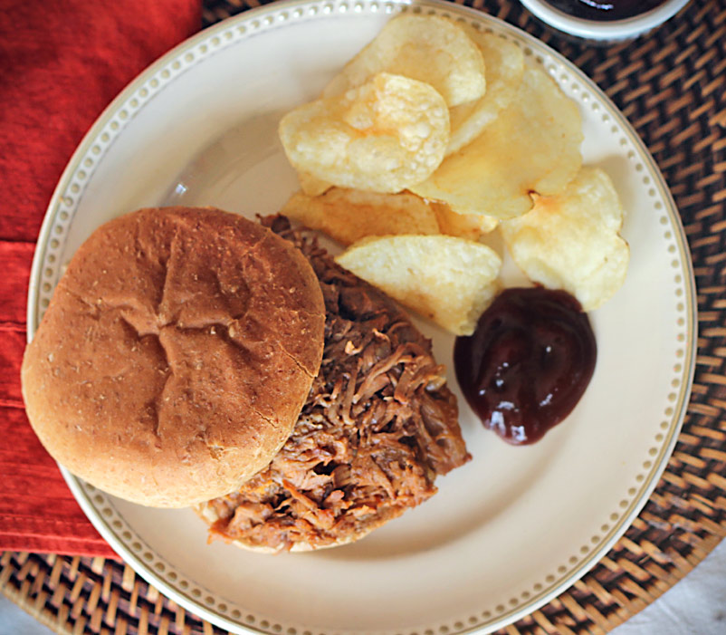 Crockpot Country Style Ribs Pulled Pork Sandwiches