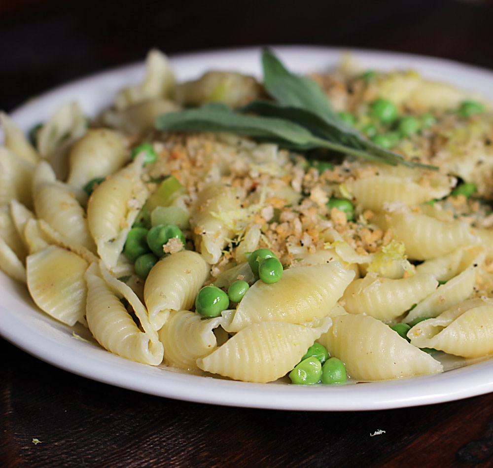 Easy-Shelled-Pea-Pasta