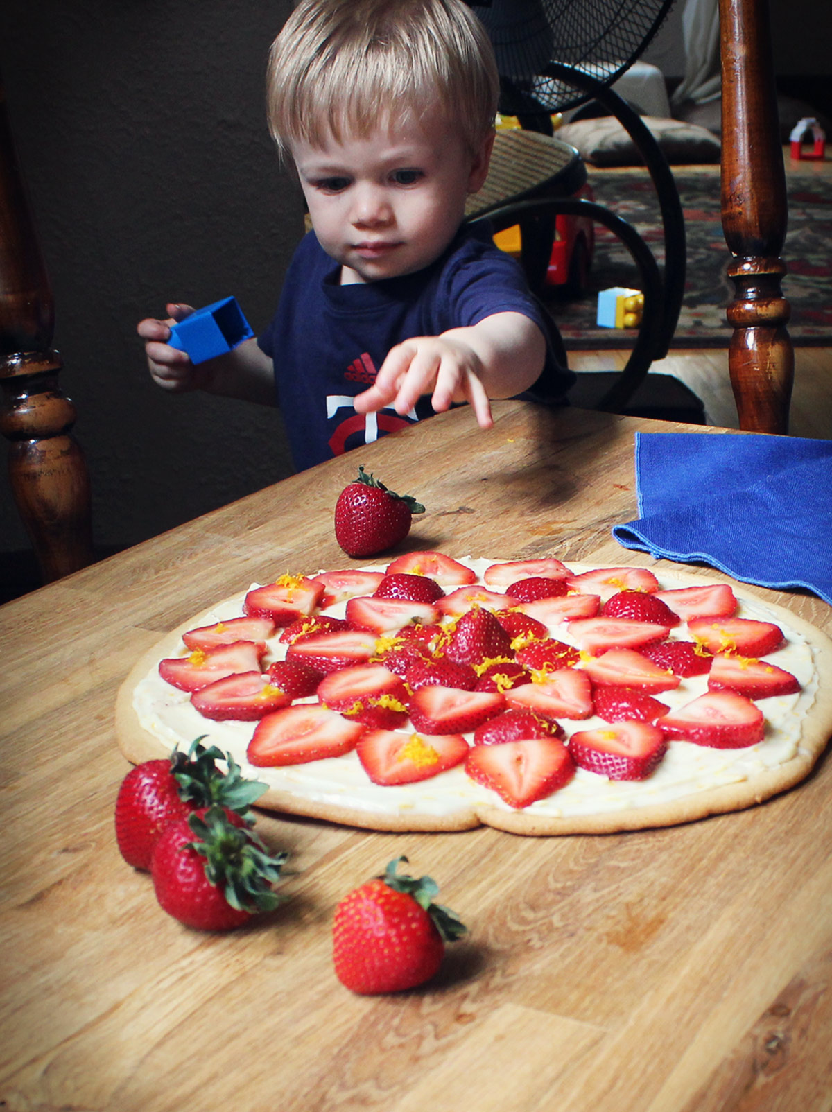 Owen Photobomb - fruit pizza