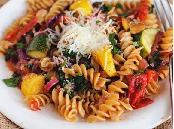 Roasted-Tomato-&-Summer-Squash-Pasta-featured
